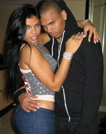 Suelyn Medeiros and singer Chris Brown