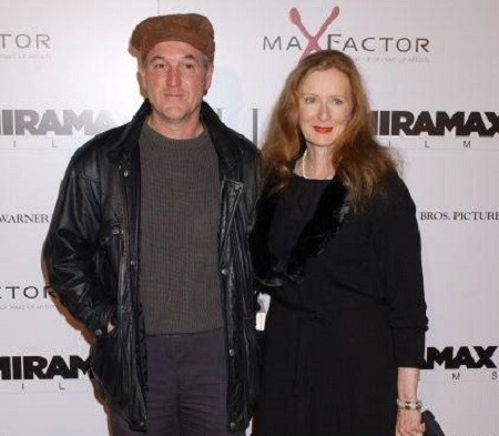 Frances Conroy husband Jan Munro: They are married since 1992.