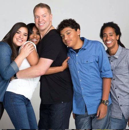 Gary Owen with wife and children