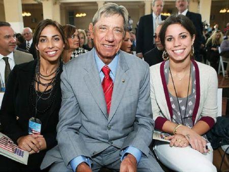 Deborah Mays Husband Joe and Daughters (1)