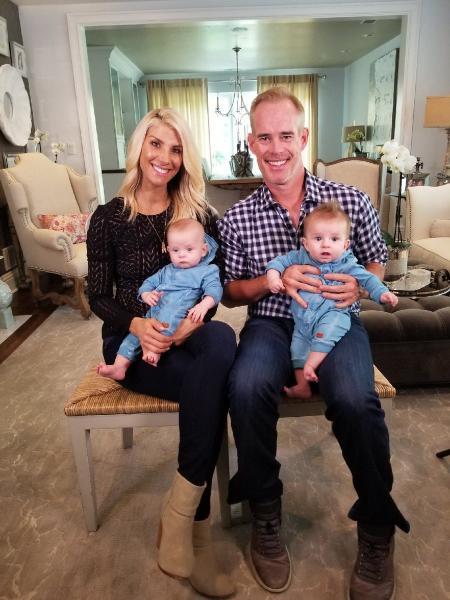 Joe Buck spouse Michelle with twins (1)