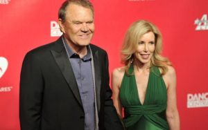 All about Kimberly Woolen, Glen Campbell' wife: Her Wiki, Net Worth, Parents, Family
