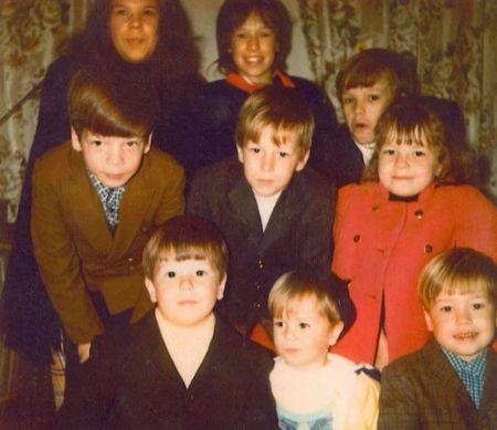 A rare photo of All Nine children Alma Wahlberg