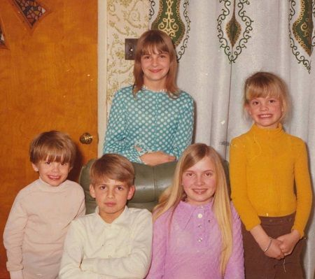 Maureen Blumhardt's brothers and sisters.