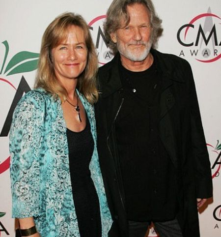 Lisa is the long-time wife of Kris Kristofferson.