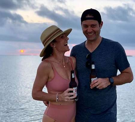 Ryan is in a marital relationship with Nikki DeLoach for over a decade.
