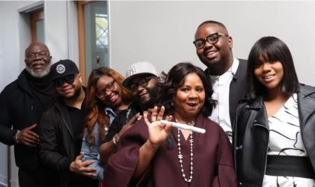 Jamar Jakes With His Parents And Siblings
