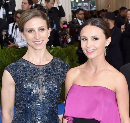 Emma Bloomberg With Her Sister Georgina Bloomberg