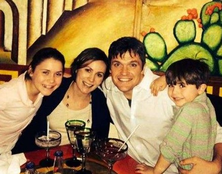 Greg Amsinger With His Wife, Daughter & Son