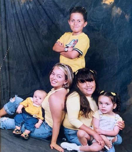 Jenicka Lopez family