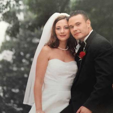 Paula Bongino married Dan Bongino in 2003