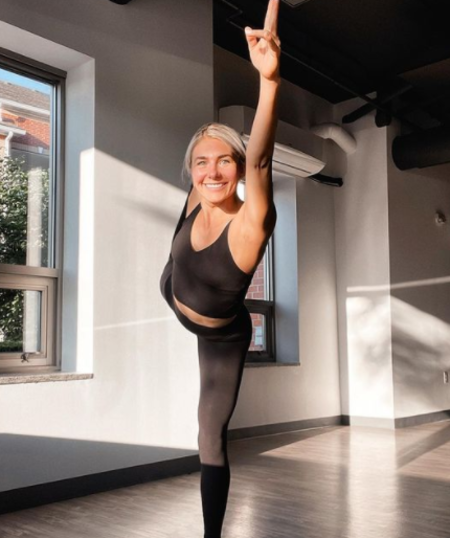 Amanda Hornick is a Yoga specialist